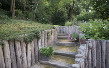 Tuin familie van Lin tegen steilrand